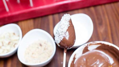 Chocolate bọc dâu tây cho valentine thêm tình tứ - 7