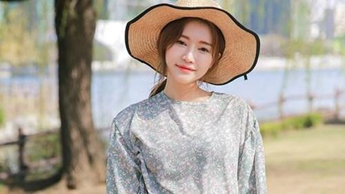 Chọn màu sắc trang phục phù hợp đánh tan nắng nóng mùa hè - 2