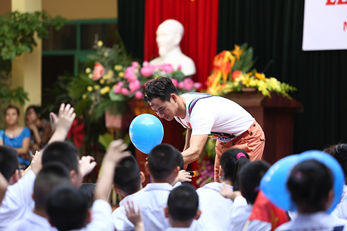 Ngay Khai Truong: Con Trai Xuân Bắc đáng Yêu Ngày Khai Trường