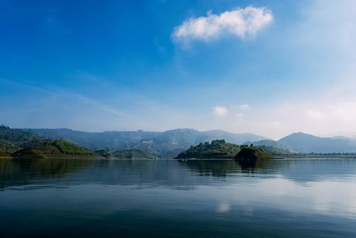 Hồ tà đùng điểm hẹn mới cho dân phượt du lịch bụi - 2