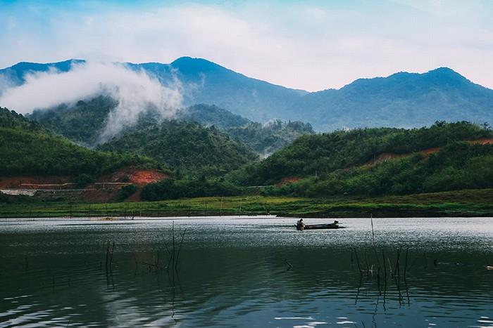 Hồ tà đùng điểm hẹn mới cho dân phượt du lịch bụi - 3