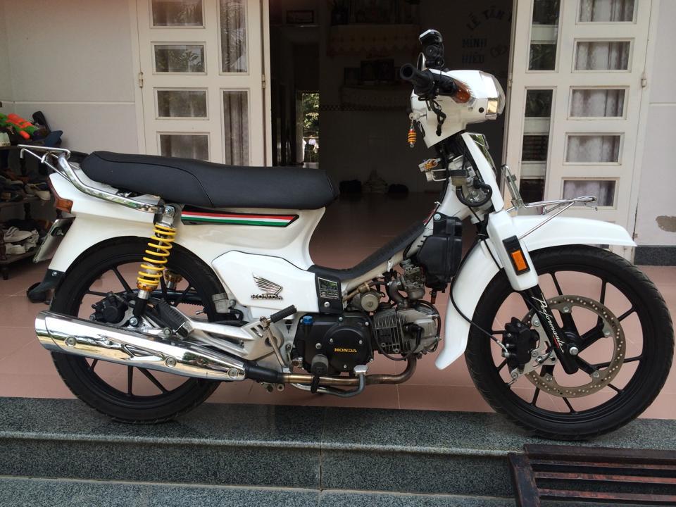 Honda dream độ đầy phong cách và chất chơi - 6