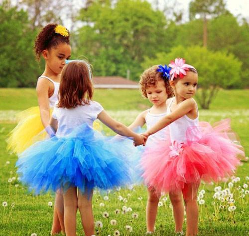Làm váy công chúa cho con gái chỉ bằng màn tuyn - 1