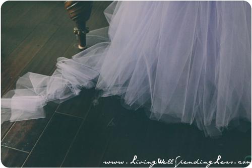 Làm váy công chúa cho con gái chỉ bằng màn tuyn - 8