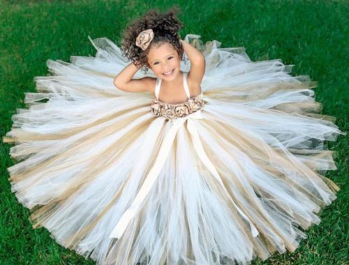 Làm váy công chúa cho con gái chỉ bằng màn tuyn - 10