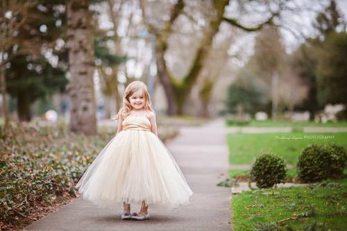 Làm váy công chúa cho con gái chỉ bằng màn tuyn - 13