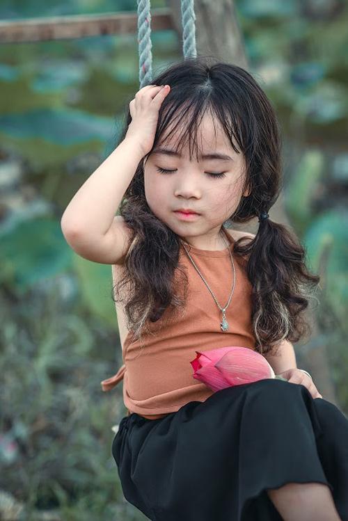 Mê mẩn bé gái hà nội 4 tuổi xinh như tiên nữ bên hồ sen - 4