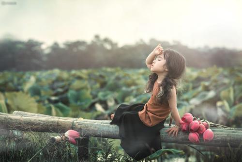 Mê mẩn bé gái hà nội 4 tuổi xinh như tiên nữ bên hồ sen - 9