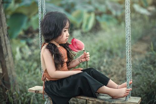 Mê mẩn bé gái hà nội 4 tuổi xinh như tiên nữ bên hồ sen - 12