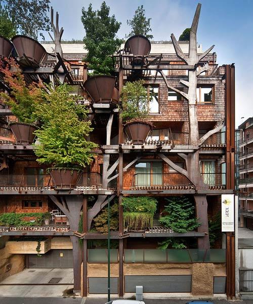 Mướt mắt nhà 5 tầng trồng 150 chậu cây xanh - 2