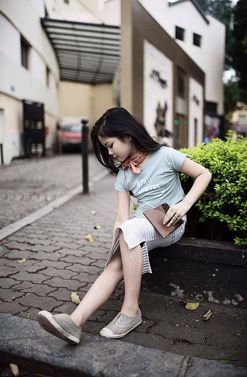 ngất ngây bé gái hà nội 8 tuổi xinh như hotgirl đàn chị - 2