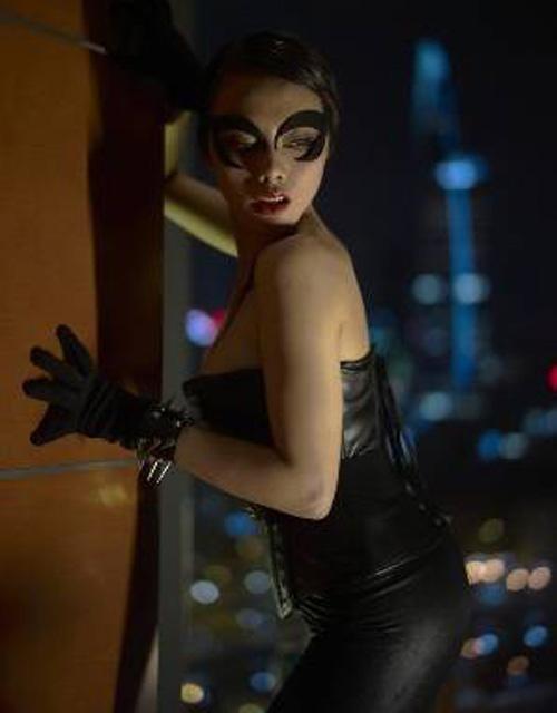 Người đẹp việt gây tò mò khi làm miêu nữ nóng bỏng - 5