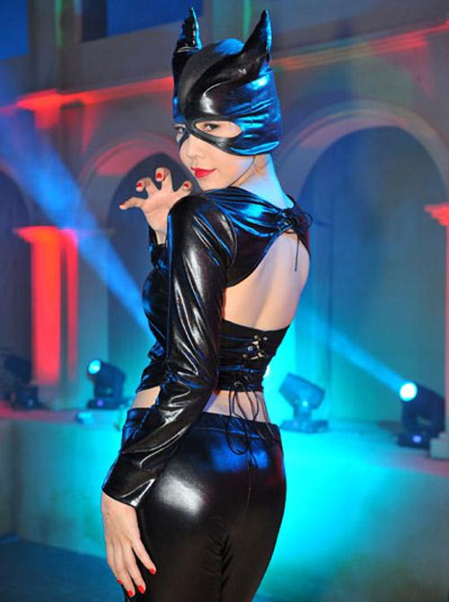 Người đẹp việt gây tò mò khi làm miêu nữ nóng bỏng - 11
