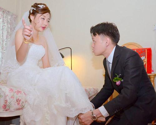 Thêm một bộ ảnh cưới thảm họa của cặp đôi singapore - 1