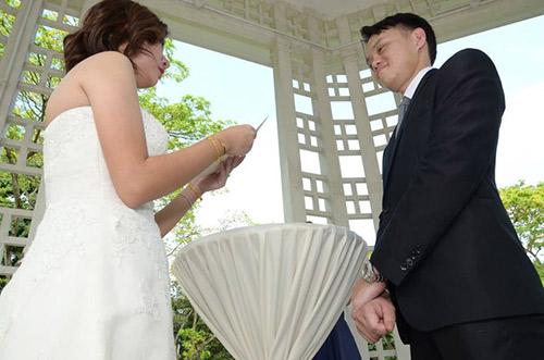 Thêm một bộ ảnh cưới thảm họa của cặp đôi singapore - 2