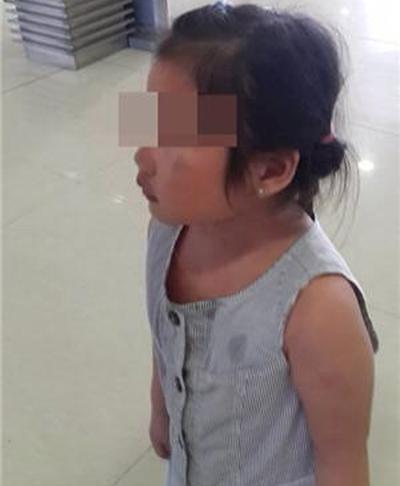 Xác minh tin bé gái bị bạo hành ở sân bay tân sơn nhất - 3
