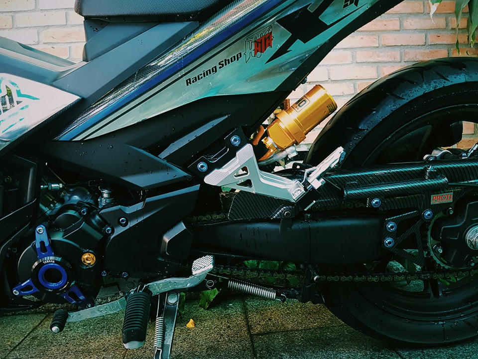 Exciter 150 độ cực ngầu với dàn áo carbon fiber - 3