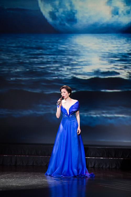 Hoa hậu châu á tại mỹ đọ độ gợi cảm với lệ quyên