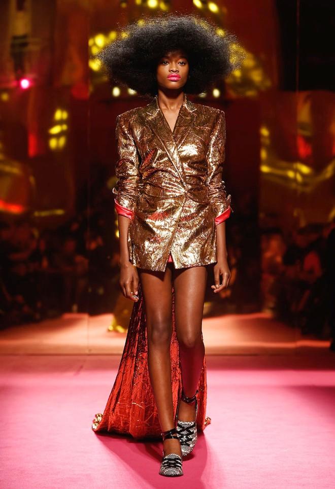 Loạt ảnh không thể bỏ lỡ ở tuần lễ thời trang paris - 9