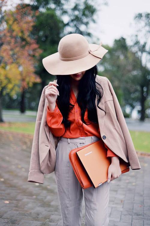 Nữ blogger thời trang nổi tiếng thế giới đến việt nam - 2