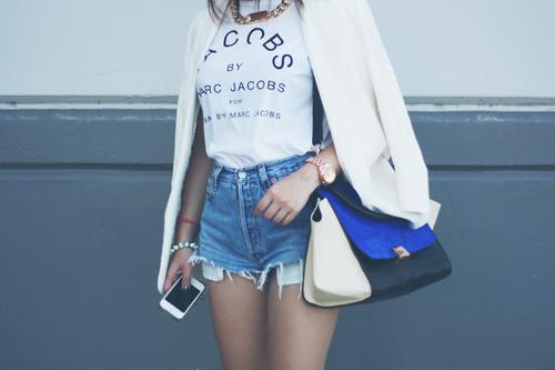 Nữ blogger thời trang nổi tiếng thế giới đến việt nam - 15