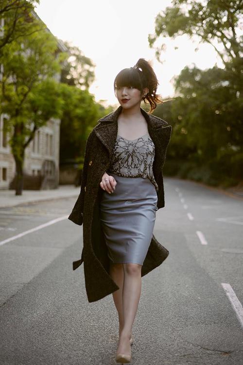 Nữ blogger thời trang nổi tiếng thế giới đến việt nam - 16