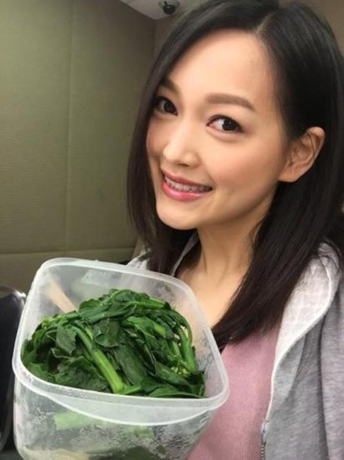Thí sinh hoa hậu hong kong nhịn ăn gầy như bộ xương - 7