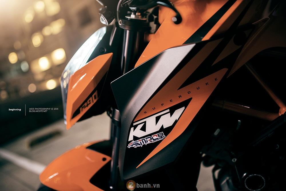 Siêu naked bike ktm 1290 super duke mạnh mẽ trong loạt ảnh ấn tượng - 3