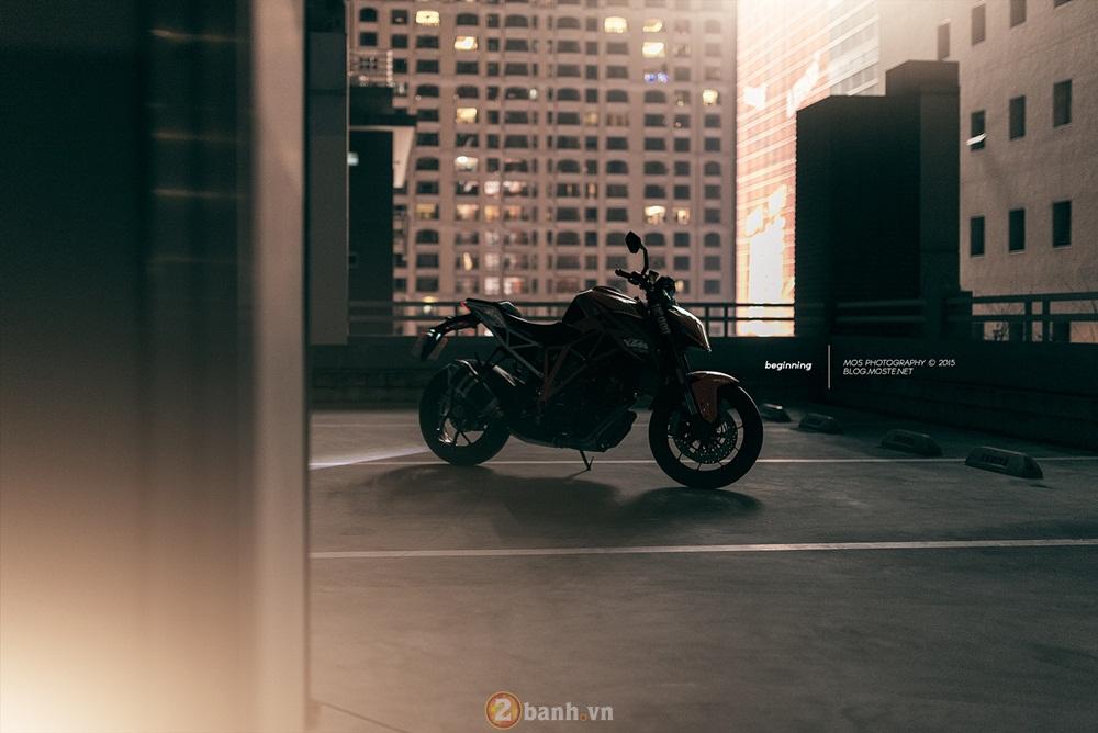 Siêu naked bike ktm 1290 super duke mạnh mẽ trong loạt ảnh ấn tượng - 10