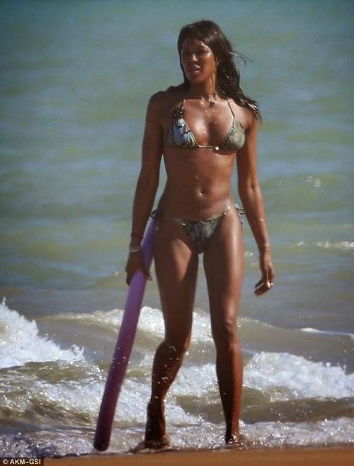 10 mỹ nhân quá 40 tuổi vẫn có thân hình bikini cực sexy - 7