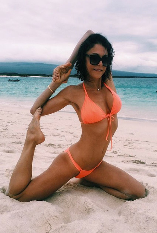 10 mỹ nhân quá 40 tuổi vẫn có thân hình bikini cực sexy - 13