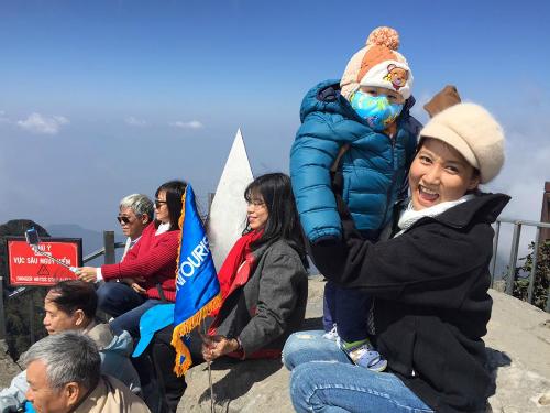 Cách nuôi con sinh non thành béo khỏe của bố mẹ bé 15 tháng lên đỉnh fansipan - 5