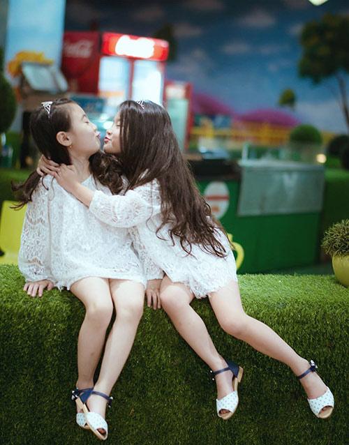 Đốn tim với 2 cô bé hotgirl hà nội chân dài không đợi tuổi - 17