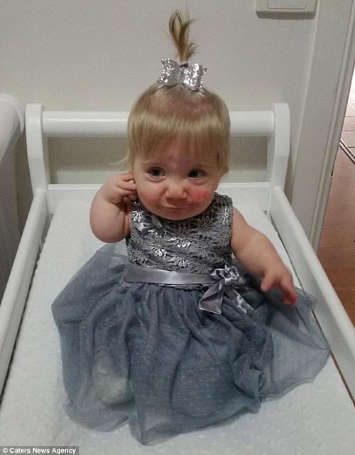 Em bé kỳ lạ 3 lần được báo đã chết trong bụng mẹ vẫn sống sót - 5