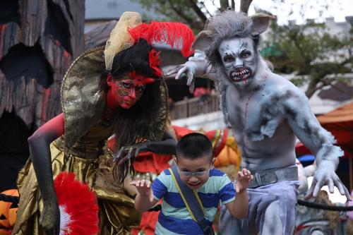 Lễ hội halloween huyền bí trên đỉnh bà nà - 3