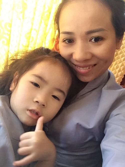 Những lần tự tử hụt khi mang bầu của mẹ sở hữu con gái nghìn người mê - 4