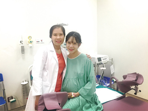Nữ bác sĩ sản khoa kể chuyện 4 lần đỡ đẻ cho vợ ca sĩ lý hải - 1