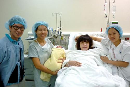 Nữ bác sĩ sản khoa kể chuyện 4 lần đỡ đẻ cho vợ ca sĩ lý hải - 5