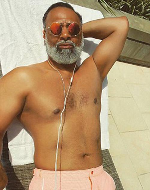 Ông nội 54 tuổi gây sốt vì vừa phong độ lại đẹp trai - 2