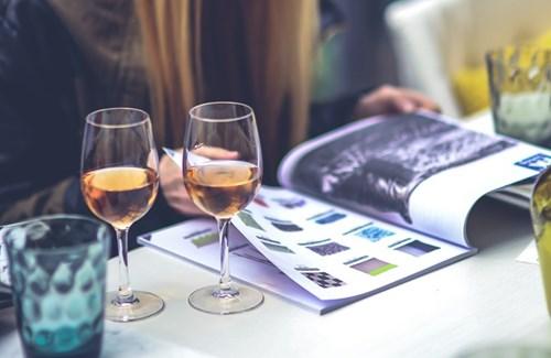 Tại sao bạn nên uống rượu vang thay vì tập thể thao vào dịp cuối tuần