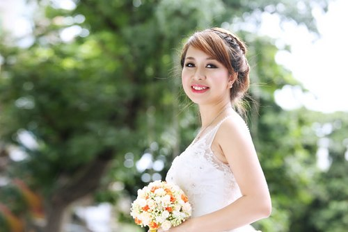 Tóc tết cô dâu đẹp dễ thương trong ngày cưới 2016 cho nàng mặt tròn - 1