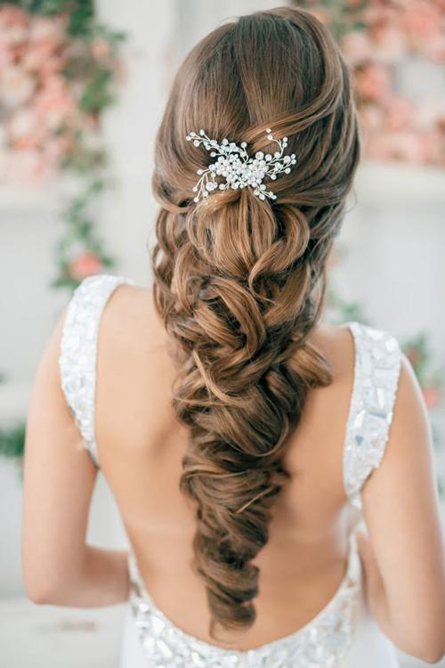 Tóc tết cô dâu đẹp dễ thương trong ngày cưới 2016 cho nàng mặt tròn - 6