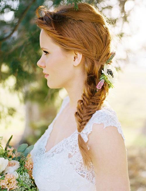Tóc tết cô dâu đẹp dễ thương trong ngày cưới 2016 cho nàng mặt tròn - 12