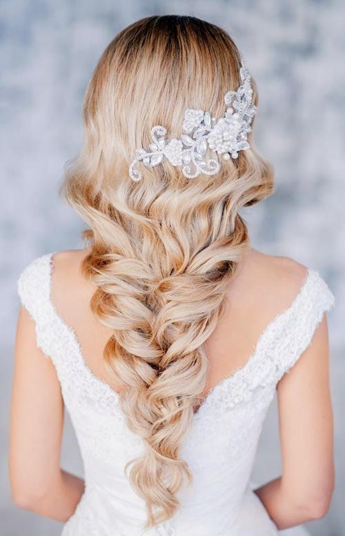 Tóc tết cô dâu đẹp dễ thương trong ngày cưới 2016 cho nàng mặt tròn - 13