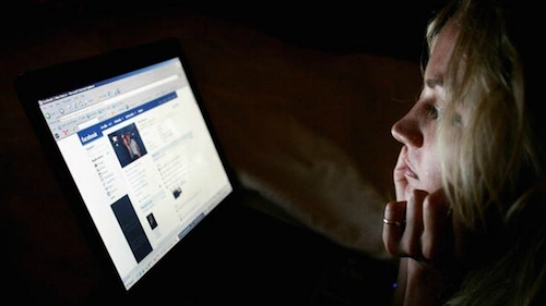 Trên facebook đàn ông và phụ nữ ai dễ thương hơn - 1