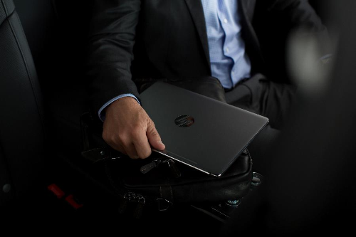 laptop hp mỏng nhẹ cho doanh nhân - 1