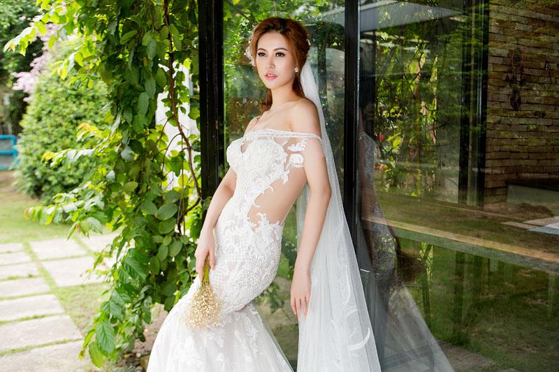 Á hậu thanh hoài thay 4 mẫu váy cưới bên mỹ nam ngoại quốc - 1