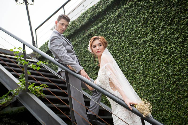 Á hậu thanh hoài thay 4 mẫu váy cưới bên mỹ nam ngoại quốc - 6