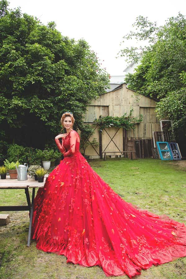 Á hậu thanh hoài thay 4 mẫu váy cưới bên mỹ nam ngoại quốc - 10