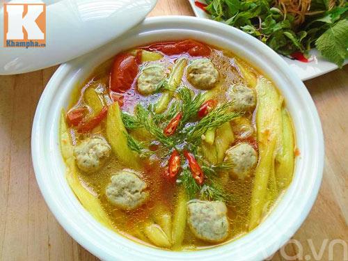 Canh chua chả cá dọc mùng tốn cơm vô cùng - 7